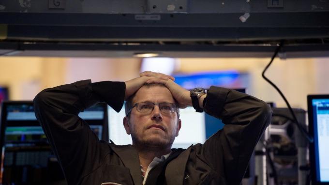 美股重挫。(圖:AFP)
