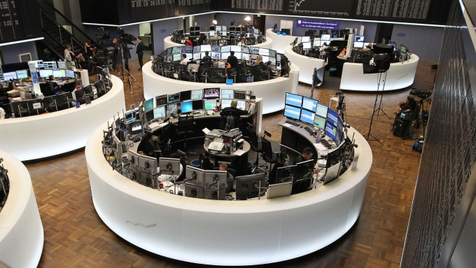 圖:AFP  歐洲股市週四大幅下跌