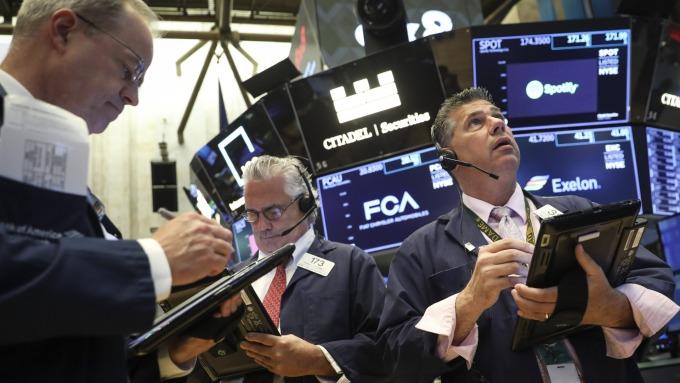 圖:AFP  美國股市週四再度大跌