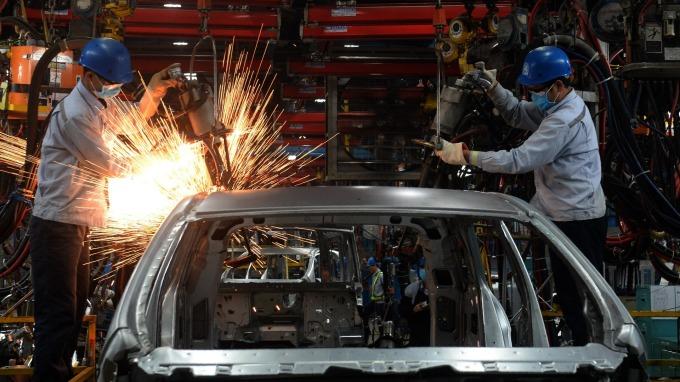 9 月製造業產量提升,主要受益於汽車產量增加。(圖:AFP)