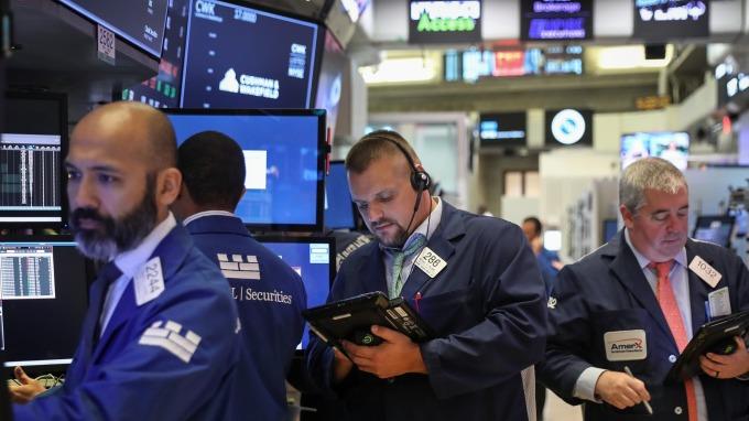 圖:AFP  美國股市週四大幅下跌