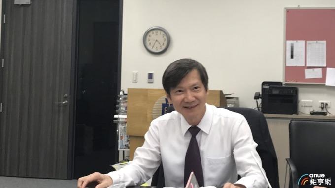 關務署副署長彭英偉今天公布我對美前9月出口變化。(鉅亨網記者郭幸宜攝)