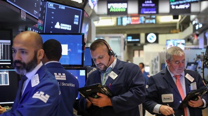 圖:AFP  美國股市週二中場大幅下跌