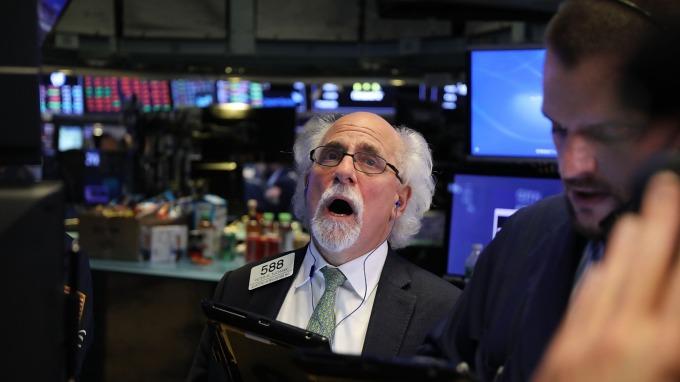 週二美股四大指數全面收跌 (圖:AFP)