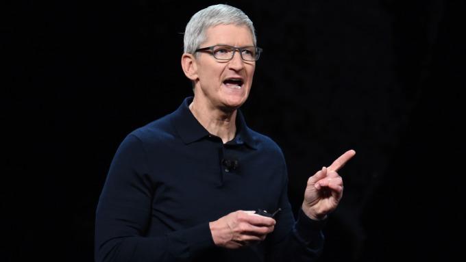 蘋果 CEO 發誓:蘋果不會成為像臉書濫用客戶個資的公司。(圖:AFP)