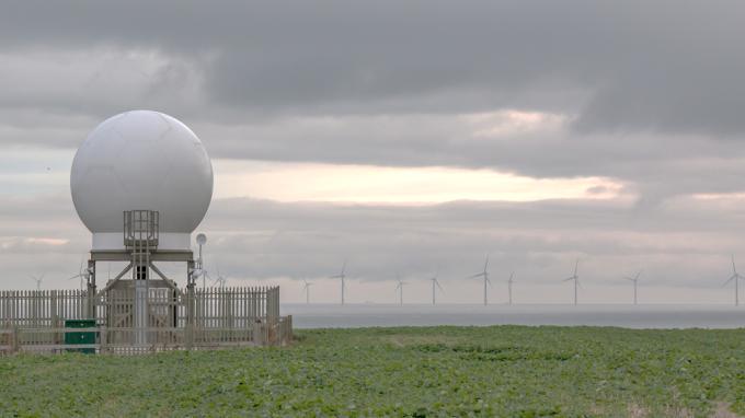 攜手台大與工研院捕捉颱風 沃旭引進雙雷達系統來台研究