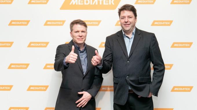 聯發科芬蘭研發中心總監Ville Salmi(左)及奧盧大學教授Matti Latva-aho(右)。(圖:聯發科提供)