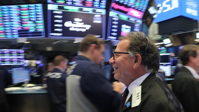 圖:AFP  美國股市週三中場大幅上漲
