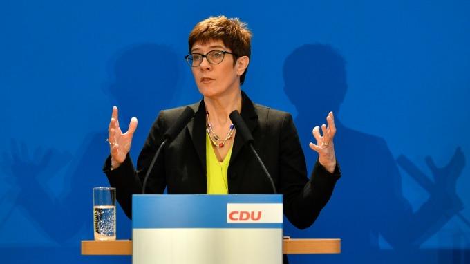 基民盟秘書長Kramp-Karrenbauer。(圖:AFP)
