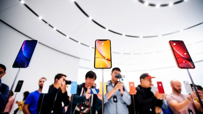 iPhone需求不佳。(圖:AFP)