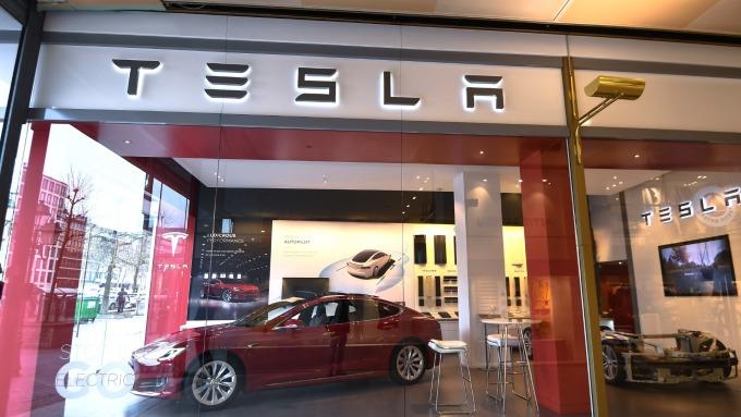 特斯拉下調電動車價。(圖:AFP)