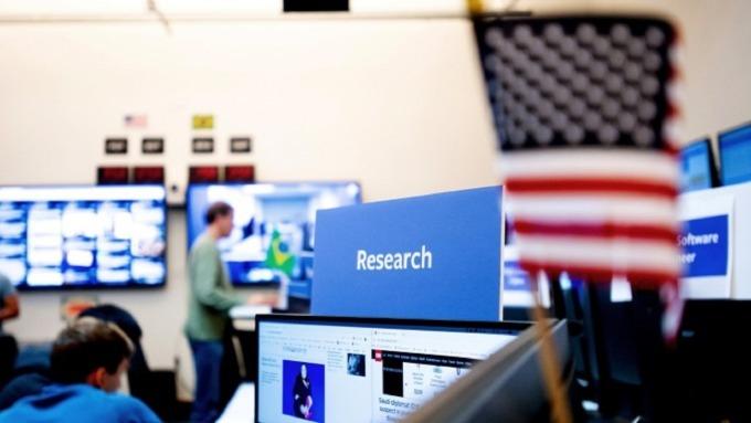 臉書從最佳就就職企業排名第一寶座跌落到第七。(圖:AFP)