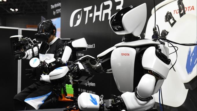 豐田汽車所生產的T-HR3機器人 (圖片來源:AFP)