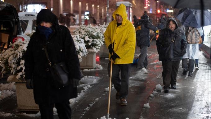 美國東南部遭遇嚴重暴風雪。(圖:AFP)
