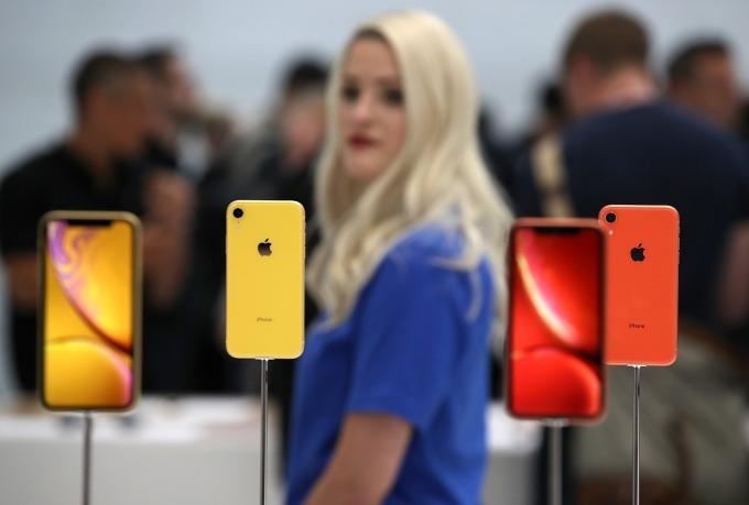 蘋果 9 月份最新 iPhone XS / XS Max、XR 型號不受此禁令影響。(圖:AFP)