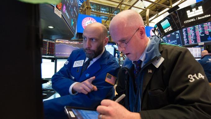 12月的美股越來越逼近「黑色2月」。(圖:AFP)