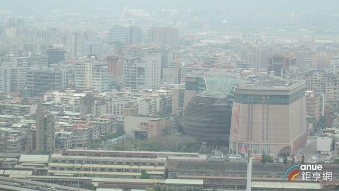 底價380億元的台北京華城標案今天開標,因無人投標而流標。(鉅亨網記者張欽發攝)