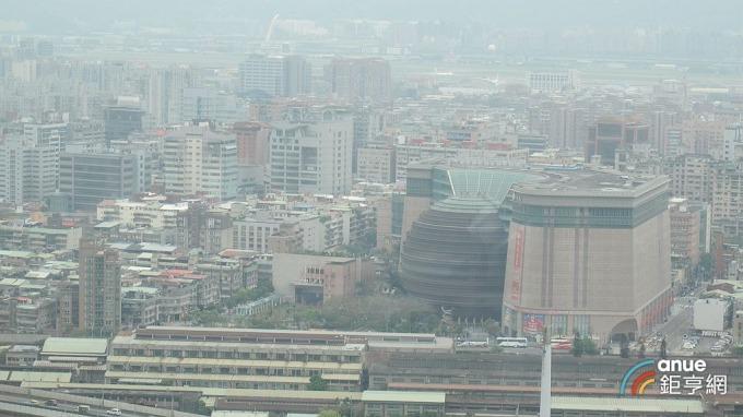 底價 380 億元的台北京華城標案今天開標,因無人投標而流標。(鉅亨網記者張欽發攝)