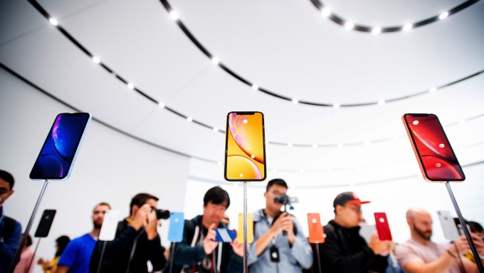 監管機構考慮禁止進口iPhone。(圖:AFP)