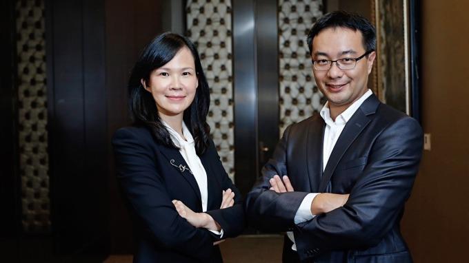 松果購物董事長郭家齊(右)和總經理吳佩雯(左)。(圖:創業家提供)