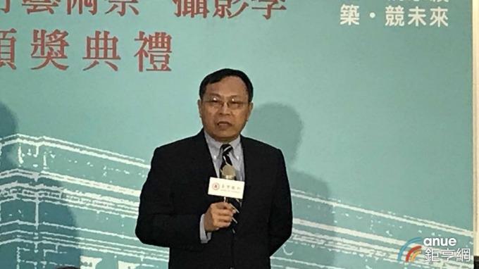 銀行公會理事長呂桔誠率隊前往香港參加「自律機制會議」,會中拍板兩大決議。(鉅亨網記者郭幸宜攝)