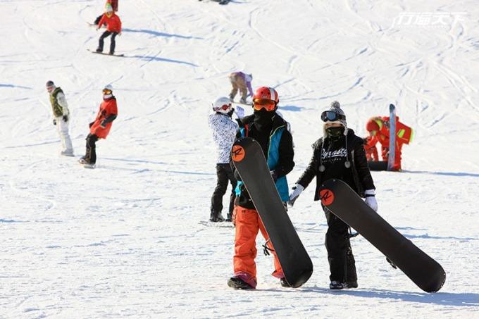 韓國路線最長的滑雪道,可以從巔峰俯衝飆到山腳下,最能滿足有滑雪經驗的高手。