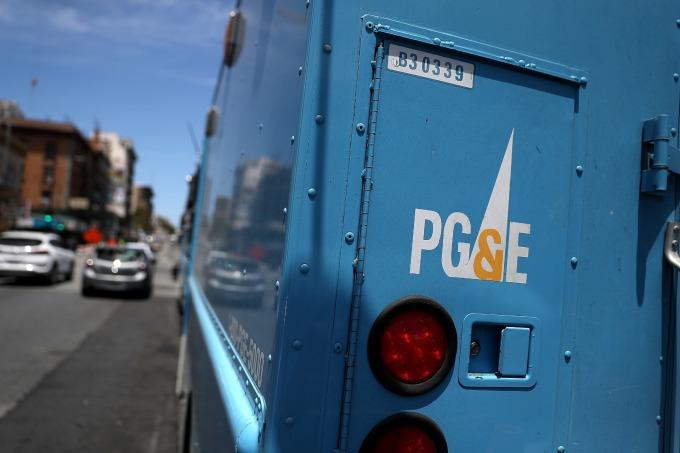 PG&E 週一股價暴跌一半以上,重創公用事業類股。(圖:AFP)