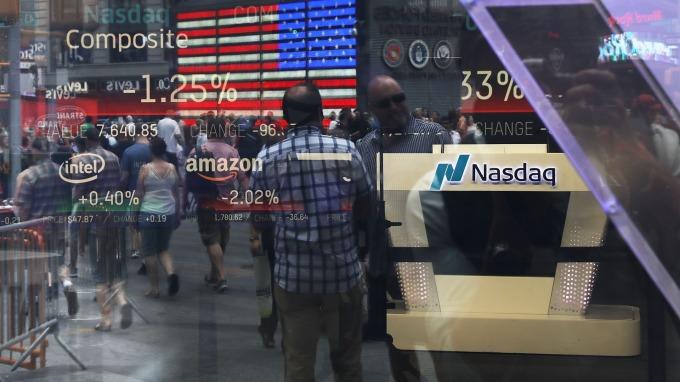 美國政府關門持續25天,創下史上最常停擺紀錄,短線將左右金融市場走勢。(圖:AFP)