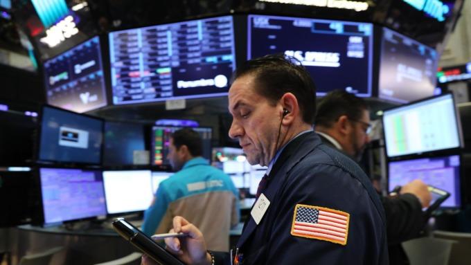 即使華府麻煩不斷 塵埃落定後美股反彈幅度可達30%      (圖:AFP)