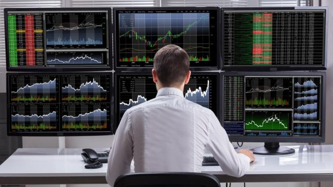 投資朋友在投資港股時會看到一些詞彙,在此列舉一些在投資人會遇到情況。