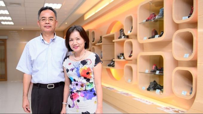 鈺齊董事長林文智(左)及總經理廖芳祝。(圖:鈺齊提供)