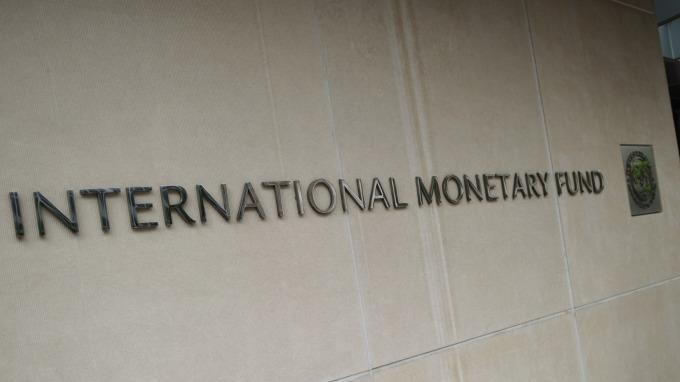 IMF下修2019年全球經濟成長。(圖:AFP)