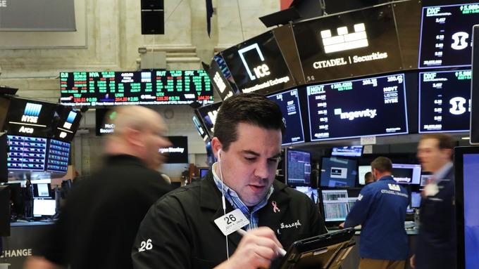 圖:AFP  美國股市週三中場上漲