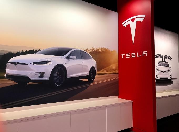 特斯拉週三稱:「沒有計畫停產 Model S 和 Model X」。(圖:AFP)