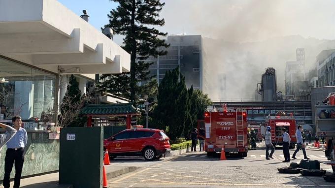 遠東新新埔化纖總廠發生火警。(讀者提供)