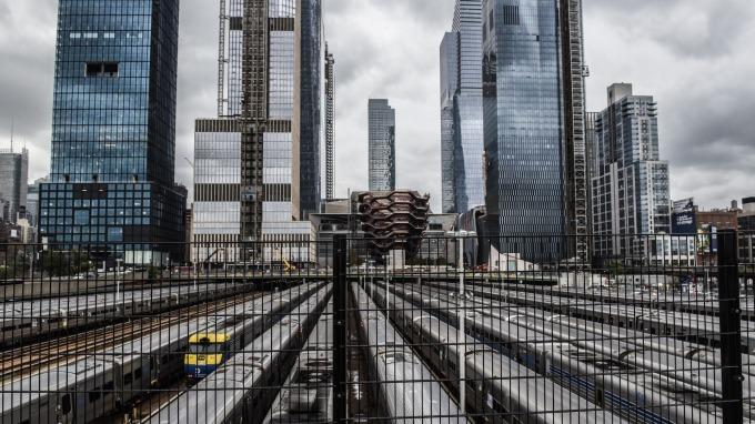 網通廠返台設廠,台灣缺工問題再次浮現。(圖:AFP)