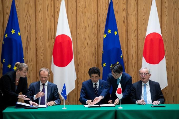 日歐雙方簽暑 EPA (檔案照片) (圖:AFP)