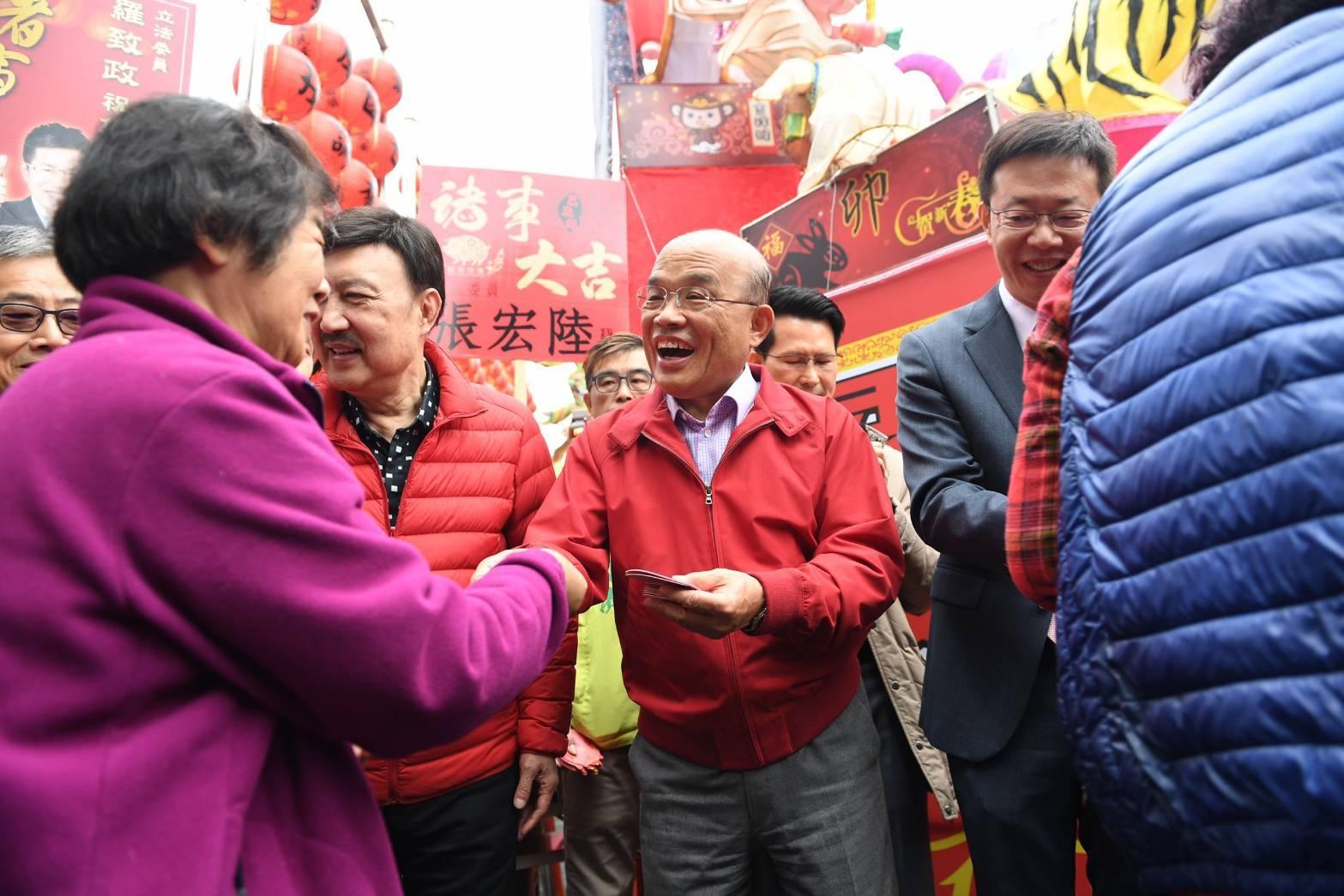 行政院長蘇貞昌表示,中央與地方要合作,一起進行耐震、防震的各方面工作,同時加速都市更新,讓民眾住的更安心。(資料照/行政院.2019.2.5)