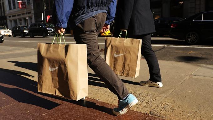 圖:AFP  美國12月零售銷售下降1.2%