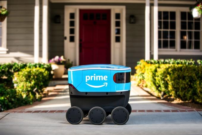 亞馬遜試行利用小機器人幫Prime會員送貨(圖:AFP)