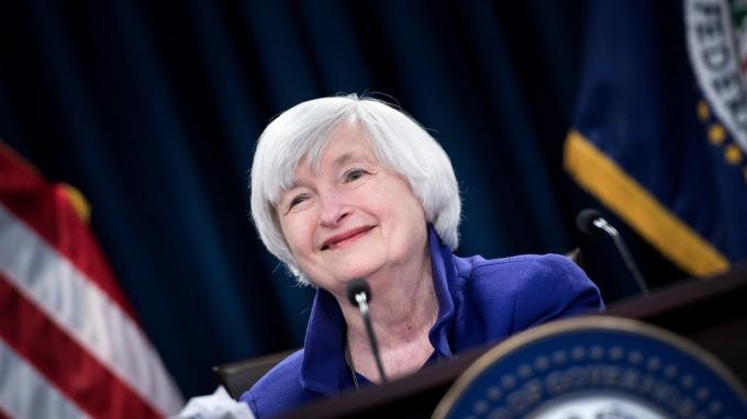 葉倫週二警示:貨幣操控/貨幣工具難以界定。(圖:AFP)