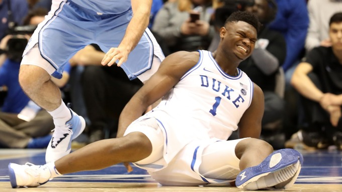 Zion Williamson 球鞋斷裂致膝蓋受傷(圖:AFP/Getty Image)