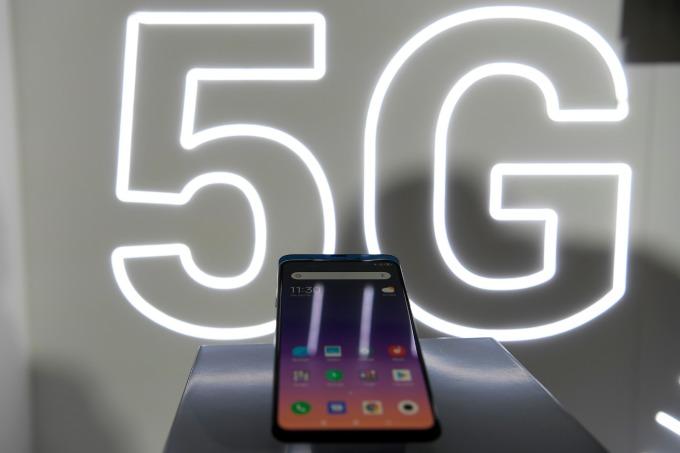 小米也發布 5G 手機 (圖: AFP)