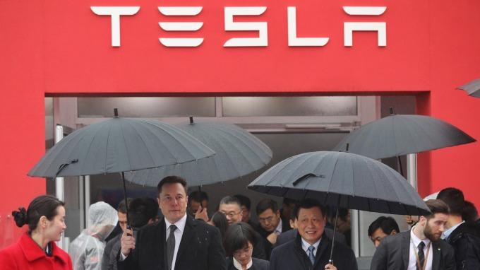 研究機構:特斯拉上海廠將獲中國金融業20億美元貸款。(圖:AFP)