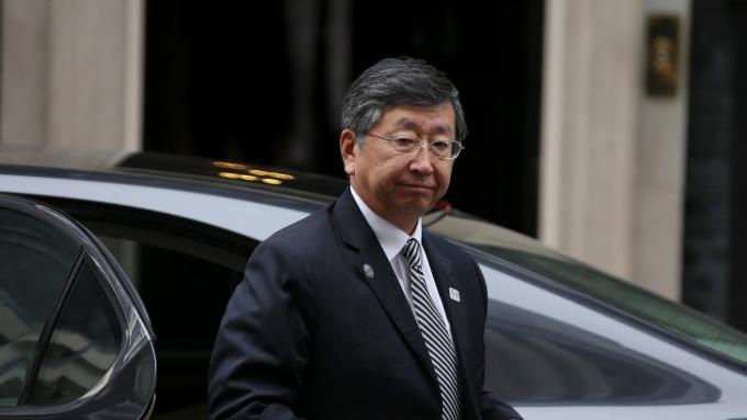 日本駐英大使鶴岡公二(圖:AFP)