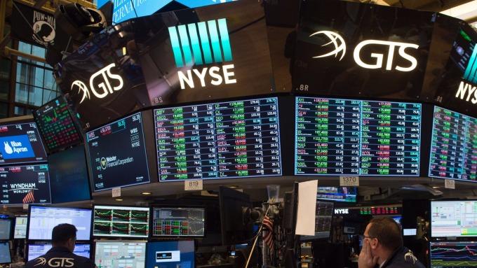 圖:AFP  美國股市週三中場溫和下跌