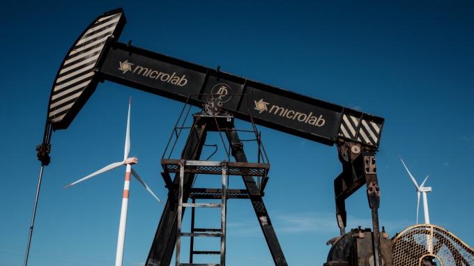 美國頁岩油產量持續成長。(圖:AFP)