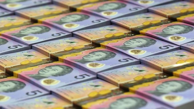 受中國經濟成長趨緩影響,澳幣恐持續走弱。(圖:AFP)