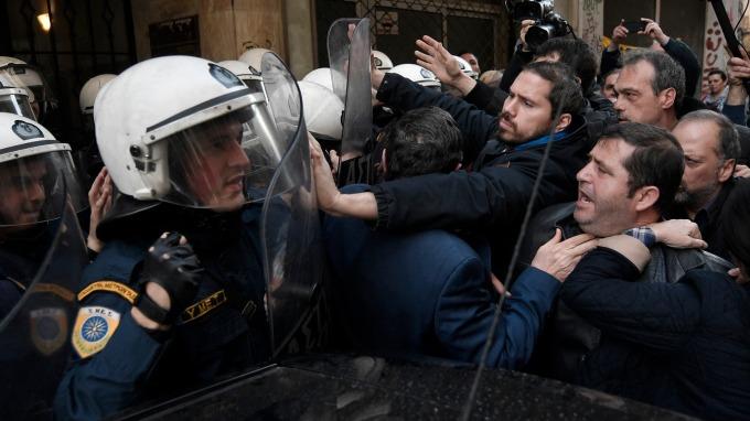 圖:AFP  希臘金融危機一幕