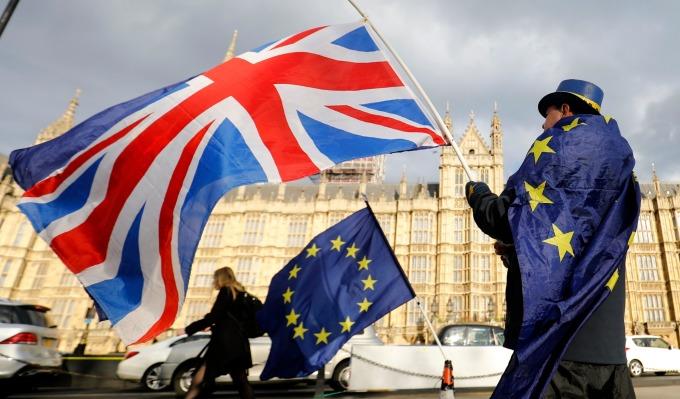 自公投後,英國與歐盟如何分離一直波折不斷。(圖:AFP)